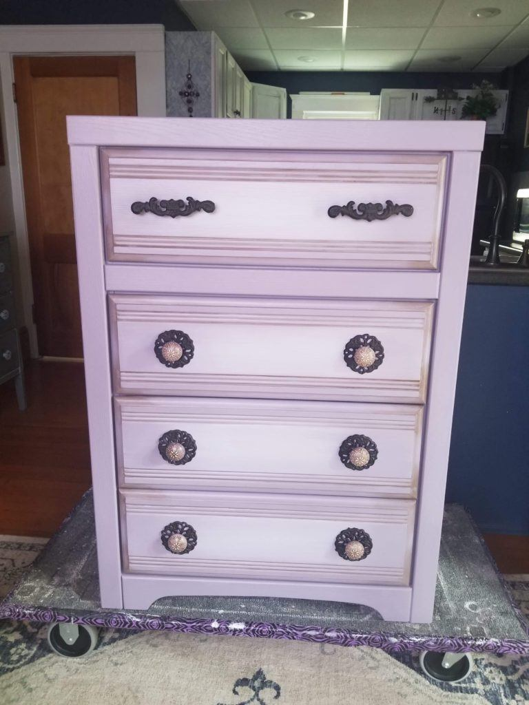Iron Lilac Painted Dresser 4 Drawer Broyhill Purple Lavendar